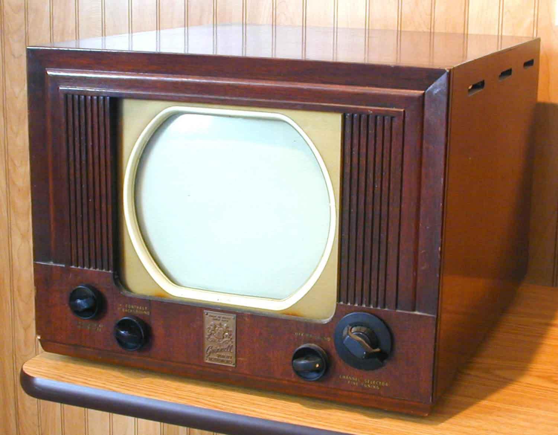 история телевизоров с картинками карнизы